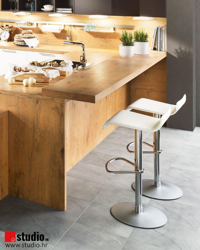stol za povezivanje druženje s makennom i brockom