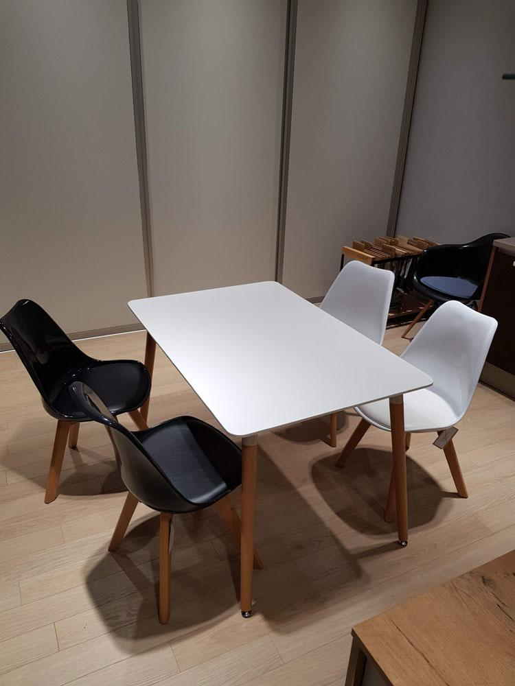 DanKuchen, studioHR, RASPRODAJA - stol i četiri stolice, stol Cersei i stolice Tyrion, slika 01