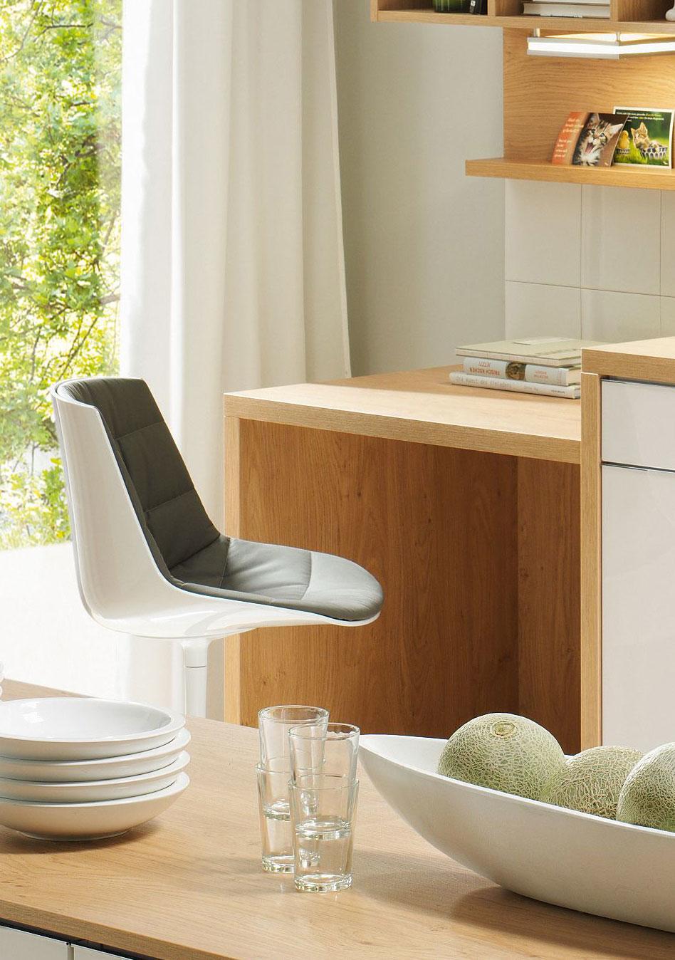 studioHR, DanKuchen Chromform kuhinja bijele boje visokog sjaja, slika 02
