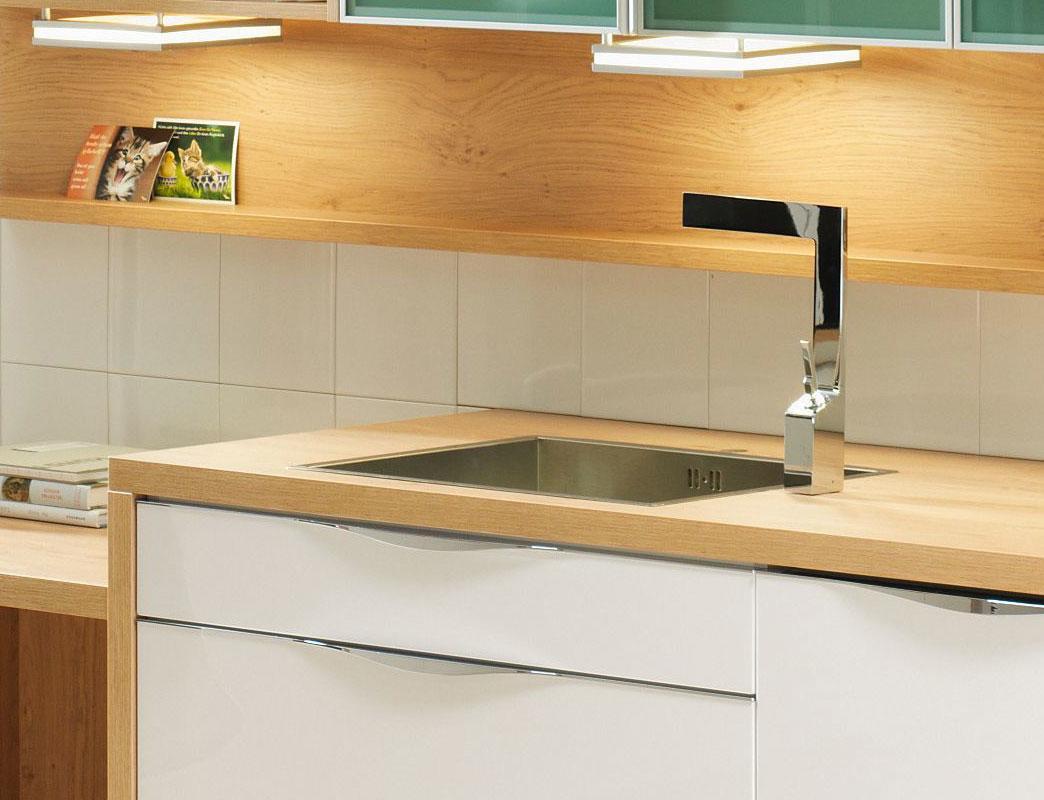 studioHR, DanKuchen Chromform kuhinja bijele boje visokog sjaja, slika 06